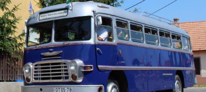 Veterán autóbusszal és bemutatóval készül az MVK a Kutatók éjszakájára