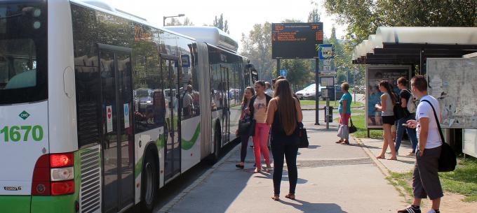 Rásegítő autóbusz indul az egyetemi tanévkezdéskor