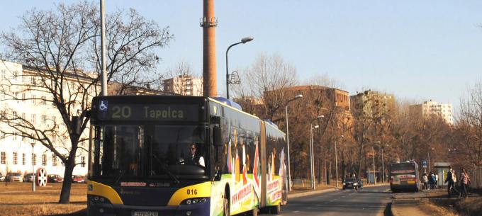 Több 20-as járat érinti az Egyetemváros végállomást