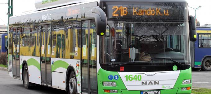 Ideiglenesen máshol jár a 21B-s autóbusz