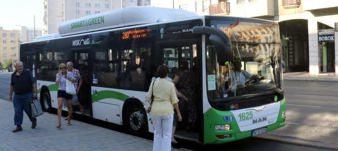 Az Avasról közvetlenül a Búza téri piacra közlekedik a 280-as autóbusz