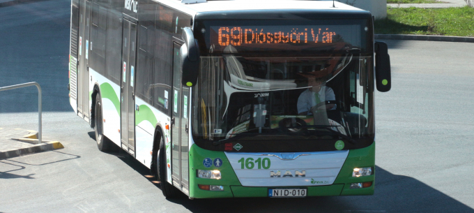 Megálló áthelyezés a 69-es autóbusz vonalán