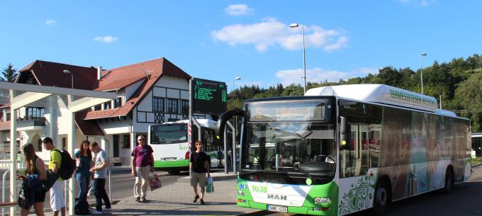 Közlekedési és bérletpénztári információk a négynapos márciusi hosszú hétvégére