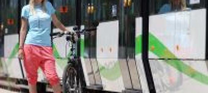 Miskolcon lehet kerékpárral villamosra szállni