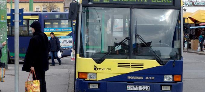 A 11-es autóbuszok továbbra is terelve közlekednek