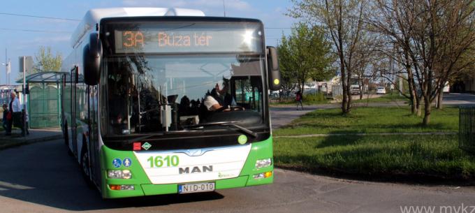 Közlekedési és bérletpénztári információk a hosszú hétvégére
