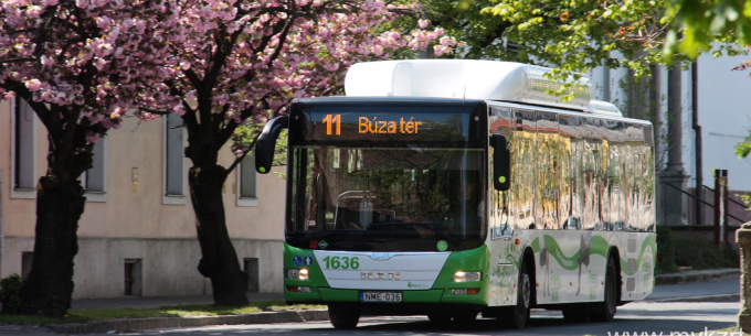 Közlekedési és bérletpénztári információ a hosszú hétvégére