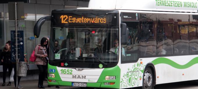 Visszakerül eredeti helyére a Centrum autóbuszmegálló