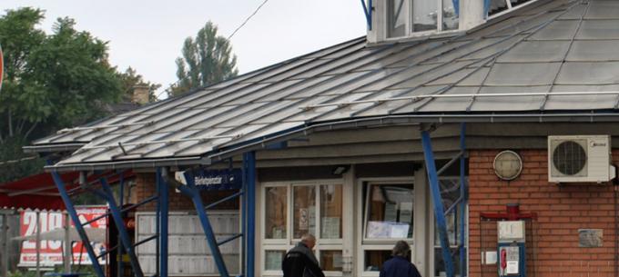 Felújítás a Tiszai pályaudvar bérletpénztárban