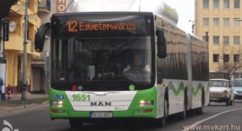 Egy indulási időpont módosul a 12-es autóbusz menetrendjében