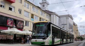 Változik a villamosközlekedés a régiségvásár idején