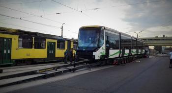 Visszaérkezett Miskolcra a Bató-háznál megsérült villamos