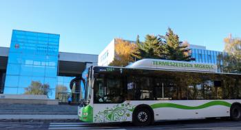 Szombattól nem kötelező a maszkviselés az autóbuszokon, villamosokon