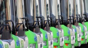 A 45-ös autóbuszok érintik a Déli Ipari Park megállóhelyet